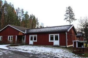 Bergsvägen 7 i Pilgrimstad, som tidigare varit äldreboende, ligger ute för försäljning med utgångspriset 3 000 000 kronor.