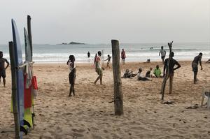 När du har varit ett tag på Busua Beach har du lärt känna de flesta. Det är ett litet samhälle där alla känner alla. Foto: Anders Nilsson