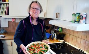 Inte valbar men med gott om åsikter kring EU-valrörelsen. Här syns Marit Paulsen hemma i Yttermalung.