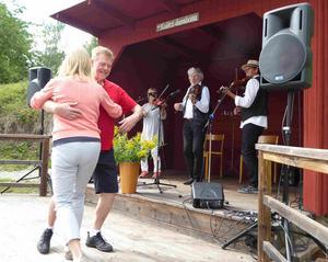 Spontan dans utlovas när  Turinge Taxinge hembygdsförening arrangerar spelmansstämma på söndag. Foto: Privat