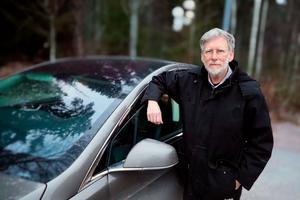 Bränslekostnaden blir lite drygt tre kronor per mil med elbil, säger Lars Rothweiler.
