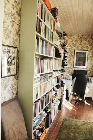 Sunes arbetsrum där han gör sina bilder och skriver sina omtyckta vinspalter.