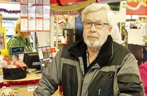 Lennart Lennartsson säger att han ibland köper vissa ekologiska varor så som potatis och grönsaker.