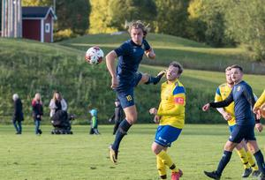 Emil Nilsson gjorde 1–0 för Arnäs mot Sidensjö, men en kvittering från Viktor Edmark efter halvtid ledde till slutresultatet 1–1.