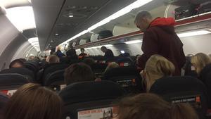 Resenärerna fick vänta ombord i flera timmar.