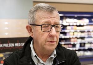 Lars Lindberg på Ica Sjöhagen i Västerås. Han är en av många handlare på listorna över inkomst av kapital.