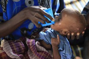 Det här är krisåret då det enligt FN hade behövts fyra gånger mer internationellt bistånd i världen för att möta pandemins katastrofala konsekvenser för människor i fattigdom. Foto: TT