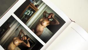 Bröstimplantaten är på plats. Ur Eva Lies bok