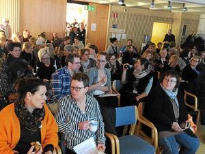 Det blev fullsatt på biblioteket i Östersund. Foto: Läsarbild.
