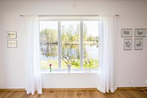 Ulf och Berit har bytt ut alla fönster på entréplanet.