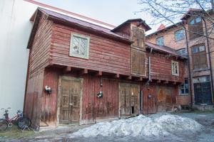 Det norsla lofthuset uppfördes runt 1880 och var en del av handelsnavet i det tidiga Östersund.