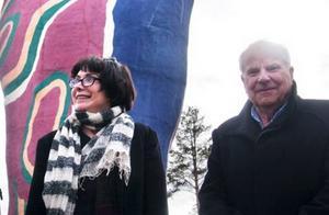 Relationerna krackelerar precis som Y:et, nu slutar Curt Aspelin att företräda Marianna Lindström och hennes bror.