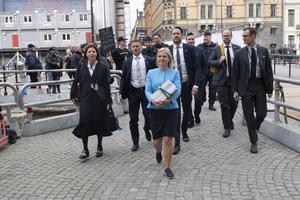 Finansminister Magdalena Andersson (S) på budgetpromenad.  Foto: Magnus Hjalmarson Neideman.