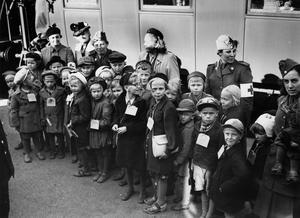 Temautställningen Finska krigsbarn i Gävleborg går att se på Forsa folkhögskola under december. Foto från utställningen.