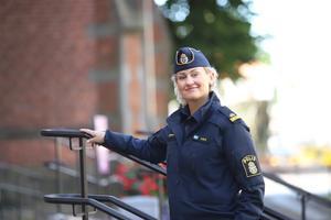 Elisabeth Oliv, kommunpolis i Skara och Götene. På torsdag den 1 oktober vill hon möta Skaraborna på Hötorget för att snacka trygghet. Foto: Jan Strannegård