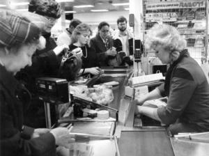 1984, Ica-affären i bottenvåningen på Sigma.