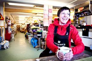 Ida Collin driver matbutiken i Norråker. Foto: Anders Lundin