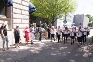 I paraden spelade musikanter från Stockholm, Lomma, Tidaholm, Mölndal, Norrtälje, Huddinge, Varberg, Nykvarn, Göteborg, Västerås, Kungsbacka, Nynäshamn, Motala och Åmål.