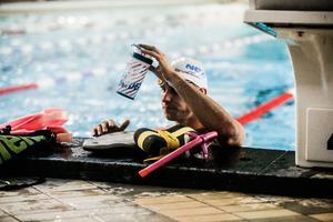 Jonathan Kling gör en femårig helhjärtad satsning mot OS-final i simning 2024.