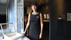 Christina Watkinson, projektansvarig för Sala Silverbiennal, välkomnade besökare till invigningen.