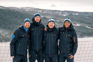 Linus Karlsson, Joakim Gille, Johan Theolin och David Hedberg jobbar för Rider Eventmarketing som anordnar Åre Ski Week tillsammans med Skistar.  Foto: Elliot Nylen.
