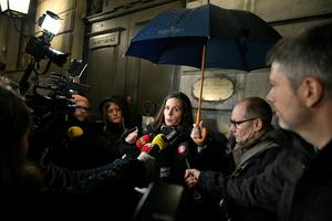 Svenska Akademiens ständiga sekreterare Sara Danius läser upp Akademiens pressmedelande efter torsdagskvällens möte, där man tog ställning till hur man ska agera mot den så kallade Kulturprofilen. Foto: Vilhelm Stokstad / TT