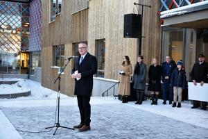 Kjell Tenn tackade, bland annat, besparingsskogen som bidragit med tio miljoner kronor till skolans inventarier.