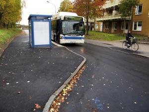 Tillgängligheten hotas. Det är oanständigt att försämra kollektivtrafiken så mycket för så många som är beroende av den, som inte har något alternativ till bussen, skriver Mats Lindberg.