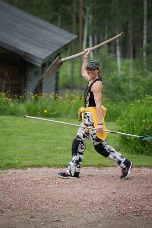 60-åriga Ewa Eriksson från Västerede utanför Bispgården var med i Expedition Robinson 2009. Nyligen blev hon anmäld till tv-programmet Atleterna, men kom inte med.