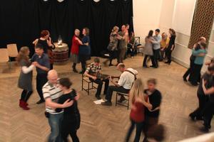 Varma fötters dans. Foto: Privat