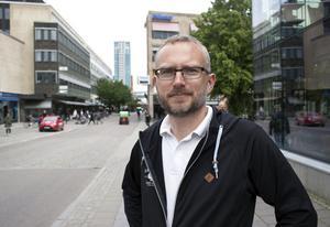 Carl Öhrn är medlem i Västeråsfandom och en av dem som arrangerar science fiction-kongressen Replicon SweCon 2019 i Västerås i helgen.