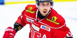Aaron Palushaj dängde till med poäng 19, 20 och 21 för säsongen när Örebro Hockey körde över Frölunda med 7–1, och nu är han trea i SHL:s poängliga, två pinnar bakom Djurgårdens Jakob Lilja och en bakom Frölundas Ryan Lasch, som fick lämna matchen poänglös. Arkivfoto: Johan Bernström/Bildbyrån