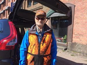 Ola Lund, viltvårdsgruppen, kallades ut för att söka efter rådjuret som ramlat ner i Gavelån.