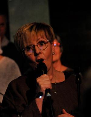 Noomie Wennstig, solist i kören.  Foto: Kenth Wiklund
