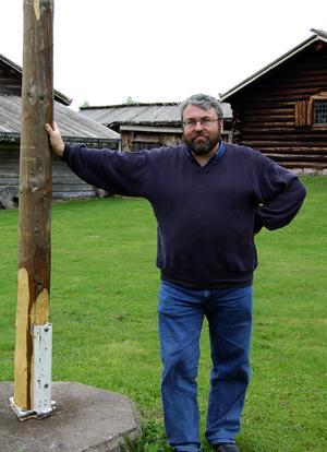 Upprörd. Med anledning av Skinnarspelets 40-årsfirande har det funnits planer på att flytta hembygdsgårdens midsommarfirande till Orrskogen. Något som väckt känslor. Jan Kapla, ordförande i föreningen Talô Mâlungsmål, kallar en flytt