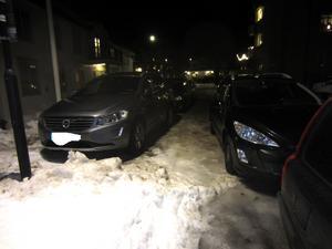 Parkeringen skedde i dubbla rader.