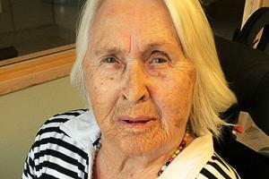 Ulla-Britt Hagström fyller 90 år och firar på Sörängets äldreboende. Bild: Privat