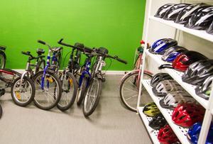 Cyklar lånas på sommaren och förråden kan alltid fyllas på.