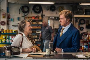 June (Sissy Spacek) träffar Forrest (Robert Redford) när hon får motorstopp. Han har precis rånat en bank men är supermysig ändå i