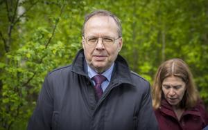 """""""Även om delar av utsikten ned mot sjön kan komma att begränsas från klagandenas fastigheter finner Mark- och miljööverdomstolen att detaljplanen inte innebär en betydande olägenhet för berörda fastighetsägare"""", skriver hovrättsrådet Lars Borg i domen."""