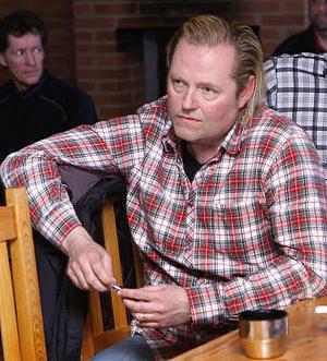 Anders Skoglund räknar med att komma igång med renoveringen av Grangärde hotell om ett år.