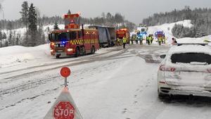 Den 18 januari omkom en man i samband med en allvarlig olycka på E4 i Gåsnäs. En kvinna fördes till Sundsvalls sjukhus med allvarliga skallskador.