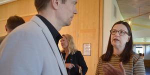 Johan Sonne, projektledare på Högskolan Dalarna, diskuterade med utbildningsminister Anna Ekström.
