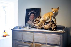 Sam Lormans är duktiga på att hitta såväl möbler som prydnadsföremål.