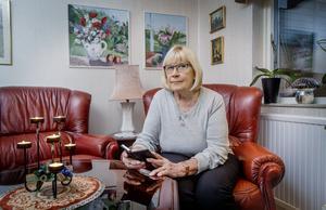 Lägg på, är Kerstin Bjelkmars råd när okända personer ringer upp och fiskar efter personuppgifter.