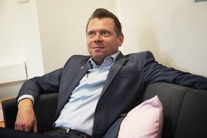 Kommunalrådet Per Nylén (S) medger att kommunen inte hade genomfört satsningen likadant om de varit medvetna om vad det skulle kosta.
