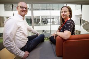 Konsultfirman WSP med 100 anställda i Gävle har flyttat in i nya lokaler.  David Harrysson är avdelningschef och Susann Sandegård är gruppchef.