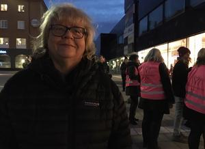 Kyrkoherde i Avesta och Grytnäs pastorat, Madeleine Ingmarstedt, fanns på plats. Hon var också en av de som hjälpte Velmiras far när han kom till Sverige då Velmira försvunnit. – Det här är ett fantastisk fint initiativ, säger Madeleine.
