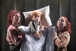 Caroline Rendahl, Myra Neander och Mala Kyndel vaknar upp. Foto: Per Eriksson