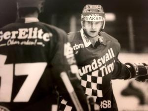 Anders Vikberg i Sundsvall/Timrå-tröjan, år 1992.  Säsongen skulle bli hans sista i karriären.